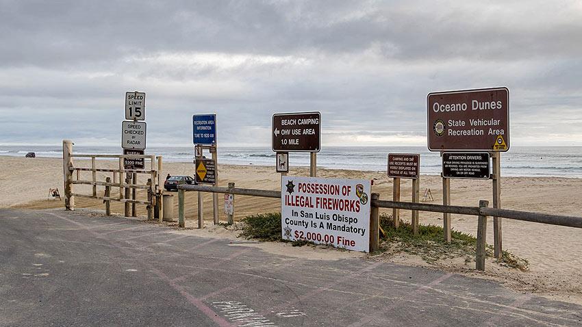 Pismo Beach signs