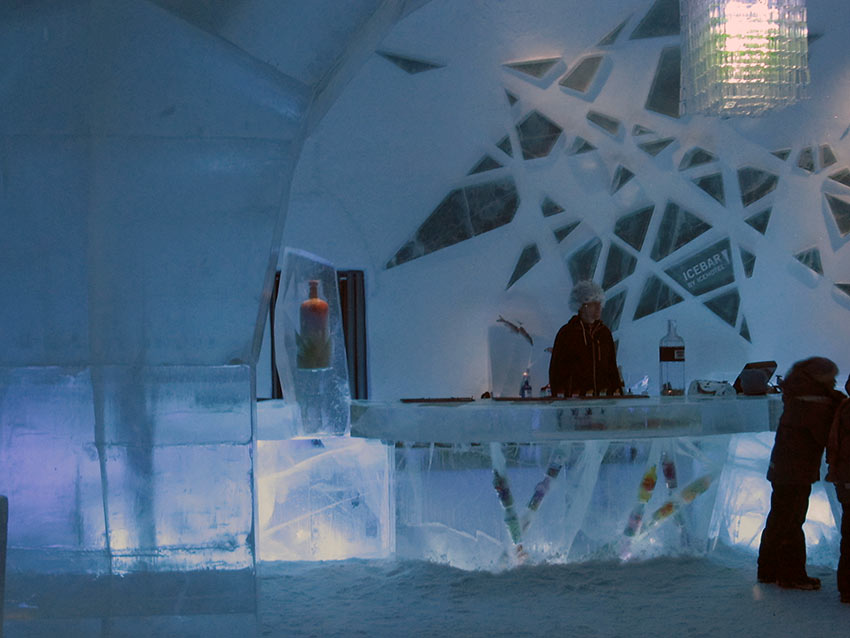 ice bar at the Icehotel Jukkasjärvi