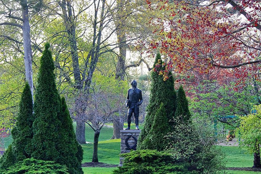 Simcoe Park Niagara-on-the-Lake, with the statue to Lord Simcoe