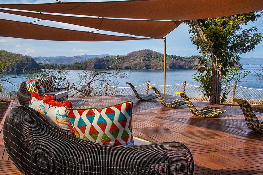 Villa Manzu deck