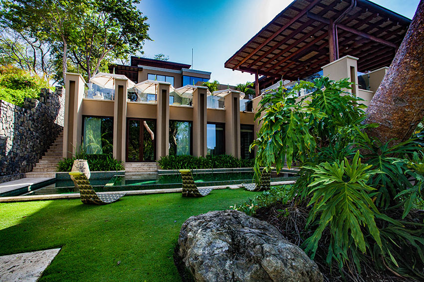 Villa Manzu exterior